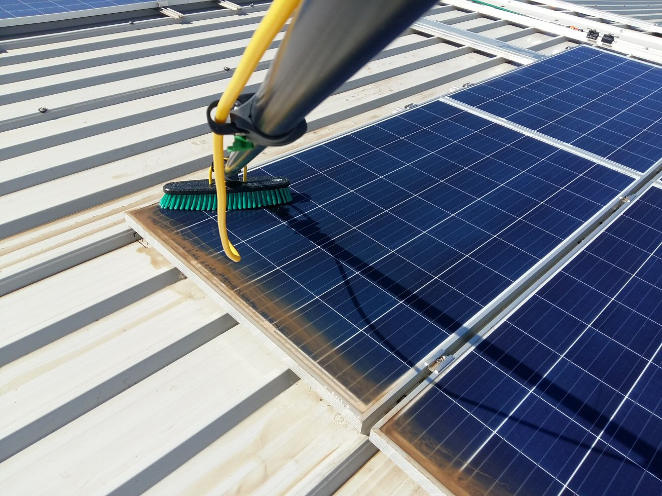 Pulizia fotovoltaico: il lavaggio di un impianto fotovoltaico