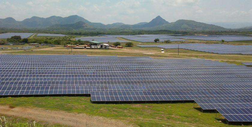 """pannelli solari bifacciali con tecnica """"shingle"""""""